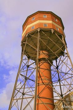 water-tower-recycled-house-3