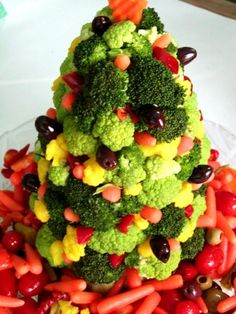Christmas Tree Edible Centerpiece Recipe - Food.com Edible Centerpieces, Holiday Centerpieces, Mixed Vegetables, Veggies, Christmas Appetizers, Vegetable Salad, Canapes, Serving Size, Cherry Tomatoes