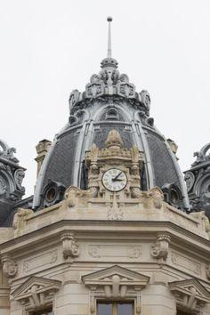 Bank in Toulouse (France) by Agence Taillandier Architectes Associés, Toulouse, Entreprise : Toitures Midi-Pyrénées, Toulouse  #Zinc #Dome #VMZINC #Architecture #Project #France #Ornamentation #France