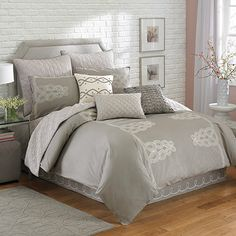 Laundry by Shelli Segal® Zoe Duvet Cover - BedBathandBeyond.com