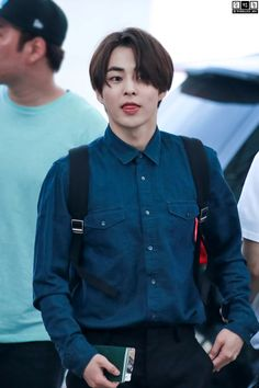 Xiumin - 150529 Incheon Airport, departing for Shanghai Credit: 슈전증. (인천공항 출국)