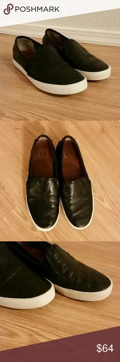 Frye Dylan Black Leather Slip On Flats Frye Dylan Black Slip On Flats, size 5.5. Great pre-owned condition with some smudges on the white bottom parts. Frye Shoes Flats & Loafers