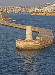 Lighthouse, Valletta, Malta. Knights of Malta. Learn English in Malta with an experienced Eurolingua Institute English Homesay Tutor and return home speaking like a native!! http://www.eurolingua.com/programmes-mainmenu-100/language-programmes/language-homestays-worldwide-mainmenu-472