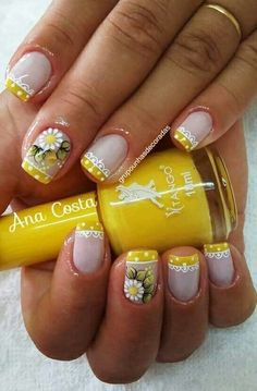 ☺ latest nail art designs gallerynail designs for short nails 2019 essie nail stickers nail art stickers how to apply nail stickers walmart Fabulous Nails, Perfect Nails, Short Nail Designs, Nail Art Designs, Cute Nails, Pretty Nails, Daisy Nails, Latest Nail Art, Flower Nail Art