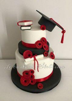 Degree cake – cake of graziastellina - Home Page College Graduation Cakes, Graduation Food, Graduation Cupcakes, Graduation Party Decor, Grad Parties, Beautiful Cakes, Amazing Cakes, Lawyer Cake, Party Decoration