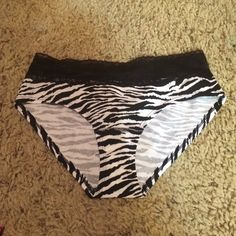 NWT Victoria Secret Underwear Size medium. Zebra print with black lace. NO TRADES. Talk to me about a bundle discount ☺️ Victoria's Secret Intimates & Sleepwear Panties