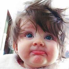 So cute . Cute Baby Boy Images, Cute Kids Pics, Cute Baby Pictures, Kids Fun, Girl Pictures, Baby Photos, Cute Little Baby, Cute Baby Girl, Baby Love