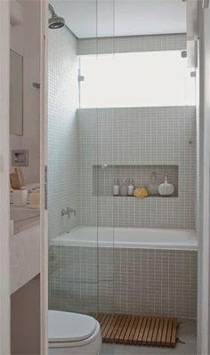 Michelle - Blog #Bathtub or #shower? Fonte : http://casadaanita.blogspot.com.br/2013/05/nichos-em-banheiros.html