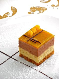 Bavarese al gianduia, mango e pan di spezie Delicious Cookie Recipes, Healthy Dessert Recipes, Sweet Recipes, Yummy Food, Mousse, Cake Calories, Modern Cakes, Individual Cakes, Mini Cakes
