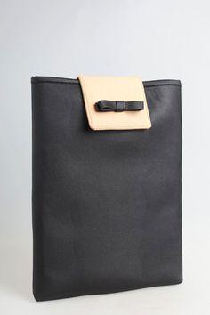 Cotton Ink's 2 tone iPad case. too cute :)