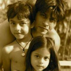 SRK with Aryan and Suhana. I can't get over how much she looks like him. #SRK #Bollywood
