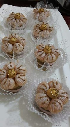 ♥♥♥ Arabic Food, Yams, Balloon Decorations, Fett, Caramel, Cake Decorating, Food And Drink, Cooking Recipes, Cupcakes