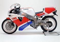 Yamaha FZRR750 OW01