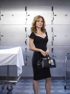 In honor of the S3 premiere.. the funny Dr. Maula Isles played by Sasha Alexander