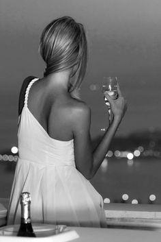 ✔ Champagne & City Lights ~ Bachelorette Bucket List. #bachelorette #game