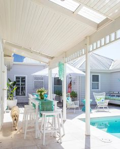 An old weatherboard guesthouse has been transformed into a contemporary Hamptons-style cottage that enjoys a summertime feel year round. Take a tour. Hamptons Style Homes, Hamptons House, The Hamptons, Steel Pergola, Pergola Patio, Pergola Ideas, Patio Ideas, Garden Ideas, Cheap Pergola