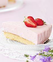 Mansikka-juustokakku Sweet And Salty, Cheesecake, Desserts, Food, Tailgate Desserts, Deserts, Cheesecakes, Essen, Postres