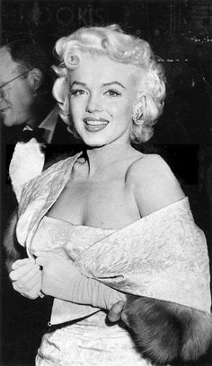 Marilyn at the premiere of East of Eden, March 9, 1955.