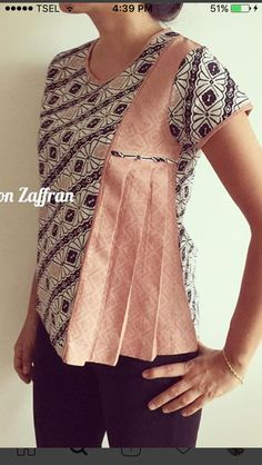 Discover recipes, home ideas, style inspiration and other ideas to try. Batik Blazer, Blouse Batik, Batik Dress, Stylish Dresses For Girls, Stylish Dress Designs, Kurta Designs, Blouse Designs, Umgestaltete Shirts, Batik Kebaya