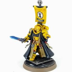 Such a good model to paint! Warhammer Paint, Warhammer Models, Warhammer 40000, Space Marine Librarian, Space Armor, Miniaturas Warhammer 40k, Badass Pictures, Lego, Imperial Fist