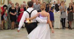Primo #ballo di #nozze, l'esibizione incredibile degli #sposi in un'apertura delle danze unica – #VIDEO http://www.nozzemag.it/primo-ballo-di-nozze-lesibizione-incredibile-degli-sposi-unapertura-delle-danze-unica-video/