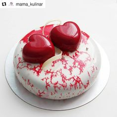 Creation made with Eclipse and Amorini moulds by @mama_kulinar ! #bethefirstbeoriginal #madeinitaly #repost #silikomart #pastry #patisserie #entremet