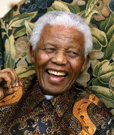 Mandela adorait le batik indonésien, vous rappelez vous de ses fameuses chemises ? Lire l'article Indonesians remember Mandela ba...