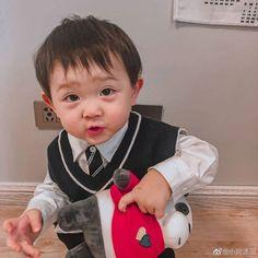 Cute Little Baby, Cute Baby Girl, Little Babies, Cute Babies, Baby Boy, Kids Boys, Baby Kids, Kids Cast, Baby Tumblr