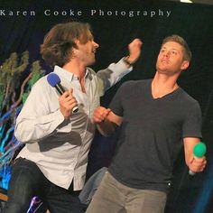 Jared and Jensen doing the Brad Creasse #Vancon