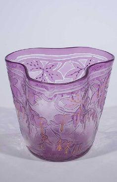 Heinrich Strehblow (Entwurf), Fachschule Haida, um 1910 Farbloses Glas, violett überfangen