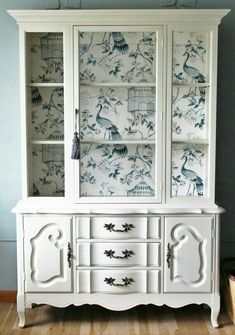 Most Beautiful Antique China Cabinet Makeover New Simple Diy Furniture Makeover And Transformation Homedecor Refurbished Furniture, Upcycled Furniture, Shabby Chic Furniture, Furniture Making, Furniture Makeover, Painted Furniture, Home Furniture, Antique Furniture, Modern Furniture