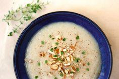 Zupa pietruszkowo-gruszkowa z migdałami