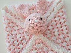Cheap Basement Ideas, Joanna Gaines Style, Knit Crochet, Crochet Hats, Baby Models, 3d Wallpaper, Baby Knitting Patterns, Weaving, Diy