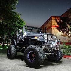 A collection of customized🔧 jeeps that I find cool❄ and interesting. Cj Jeep, Jeep Cj7, Jeep Wrangler Yj, Jeep Truck, Landi Jeep, E Quad, Jeep Scrambler, Blue Jeep, Badass Jeep