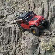 Custom built on with suspension. Also it is an RC car! Jeep Jk, Jeep Truck, 4x4 Trucks, Jeep Rubicon, Auto Jeep, Rc Cars, Sport Cars, Chevrolet Cheyenne, Ford Chevrolet