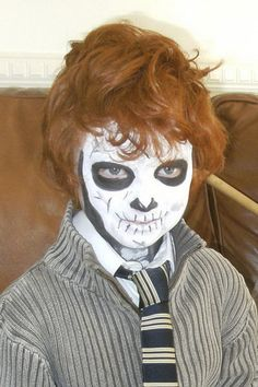 50 Pretty And Scary Halloween Makeup Ideas For kids_27