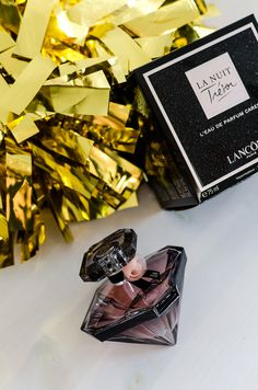 Perfume Tresor, La Nuit Tresor Lancome, Book Perfume, Perfume Bottles, Maquillage Kylie Jenner, Perfumes Vintage, Bath And Body Works Perfume, Perfume Display, Skin Products