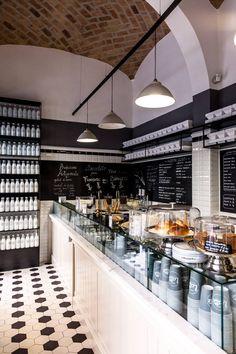 Fatti consigliare da chi ha già provato Come Il Latte in zona Veneto a Roma. Su Zomato trovi recensioni, foto dei piatti i prezzi del menu.