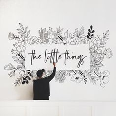 Home Remodel Joanna Gaines Hand Lettering Book.Home Remodel Joanna Gaines Hand Lettering Book Mural Floral, Flower Mural, Floral Wall, Wall Painting Decor, Mural Wall Art, Wall Painting Flowers, Painting Walls, Doodle Wall, Wall Drawing