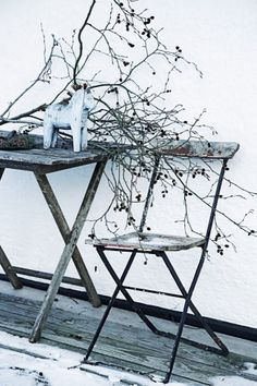 Aged furniture and winter colours - inspiration for cool grey wood floors