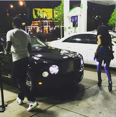 "Drake & The Game Take Over The Compton Streets At ""100"" Video Shoot + Nicki Minaj & Meek Mill Make A Late Night Snack Run"