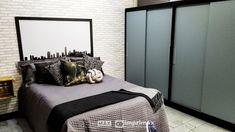 """Saiba como decorar um ambiente de maneira prática e rápida sem gastar muito! Terceiro episódio da série """"PROJETO CRIATIVO"""" A Imprimax forneceu espaço e materiais para que arquitetos e design de interiores esbanjassem sua criatividade, mostrando as possibilidades da utilização de vinil autoadesivos na decoração. Veja o projeto criado pela arquiteta e urbanista JANAINA BARBOSA E Design, Bed, Furniture, Home Decor, Architects, Environment, Bedroom, Creativity, Decoration Home"""