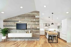 Accent wall in reclaimed wood for the living area