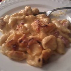 Ooey Gooey Mac and Cheese- rated five stars by over 300 people, it's got to be good!