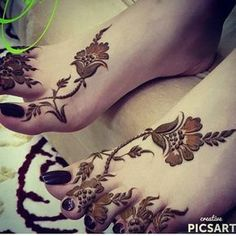 Image about nails in Henna 💫👏🤓 by Aıshā ツ on We Heart It Henna Mehndi, Henna Tattoos, Leg Mehndi, Foot Henna, Mehendi, Henna Tattoo Designs, Mehndi Tattoo, Legs Mehndi Design, Tatoo