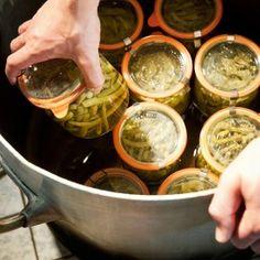 alles over wecken; een culinaire traditie op de unesco werelderfgoedlijst! Chutney, Home Recipes, Healthy Recipes, Weck Jars, Kitchen Magic, Good Food, Yummy Food, Survival Food, Cook At Home