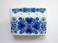 Arabia of Finland Ceramic Wall Pocket. via Etsy. Sharpie Art, Wall Pockets, Scandinavian Home, Porcelain Ceramics, Blue Walls, White Porcelain, Color Splash, Decorative Boxes, Blue And White