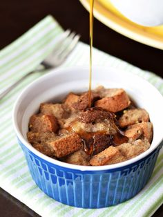 Mini Vegan Maple French Toast Casseroles - Tested gluten-free (pictured) and with wheat bread - both versions are scrumptious and so easy! by a new recipe from my next dairy-free book! Vegan Breakfast Recipes, Brunch Recipes, Vegetarian Recipes, Snack Recipes, Dessert Recipes, Cooking Recipes, Vegetarian Cooking, Vegan Treats, Vegan Desserts