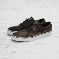 NIKE SB ZOOM STEFAN JANOSKI IGUANA/BLACK #sneaker
