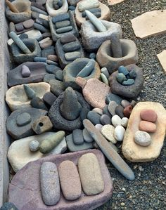 Metates, manos, and mortars & pestles found in Arizona.
